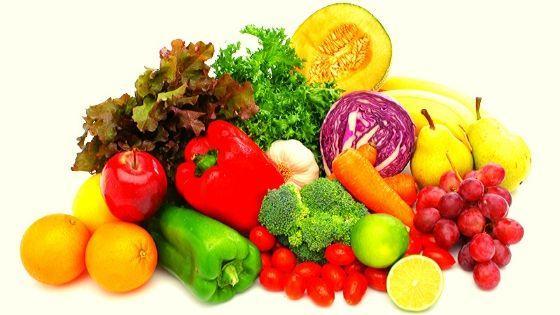Разноцветные фрукты и овощи